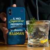 Il mio supereroe preferito... Si chiama BARMAN! 🍸  ↗️ Trovi questa e tante altre collezioni sul nostro sito nel link in BIO  📦 Spediamo in 24/48 ore in tutta Italia  #barman #gintonic #ginlover #drinkcase #iphonecase